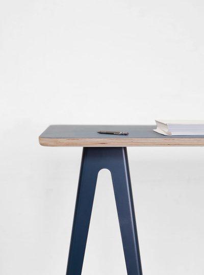 Trestle Table door David Derksen