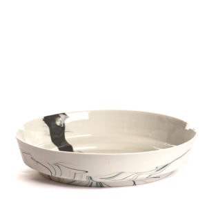 pigments porcelain bowl black