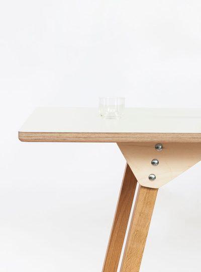 's-Table door Jeroen Wand