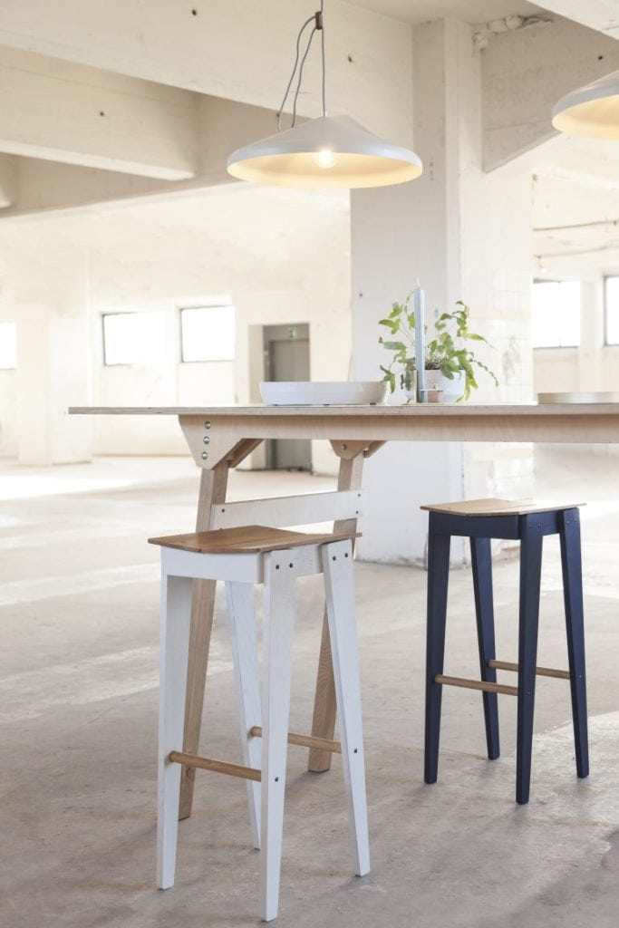 vij5 tilt bar stool by floris hovers @ object rotterdam 2019 image by vij5 img 1835 press 768x1152 1